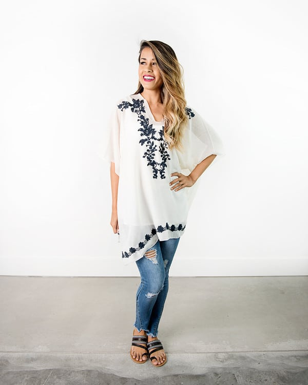 Ponchos are the hottest new back to school fashion trend for teen girls! Back to school|teen fashion|fashion trends
