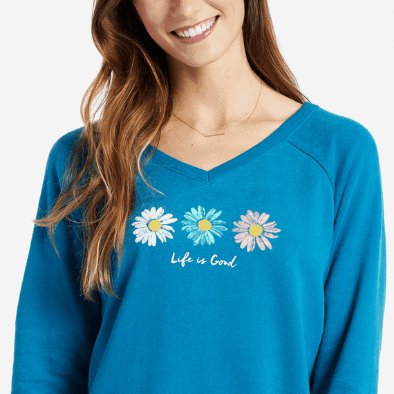 Cozy sweatshirts are the perfect back to school fashion piece for moms! Back to school|Back to school fashion|mom fashion|mom sweatshirt|cozy sweatshirt