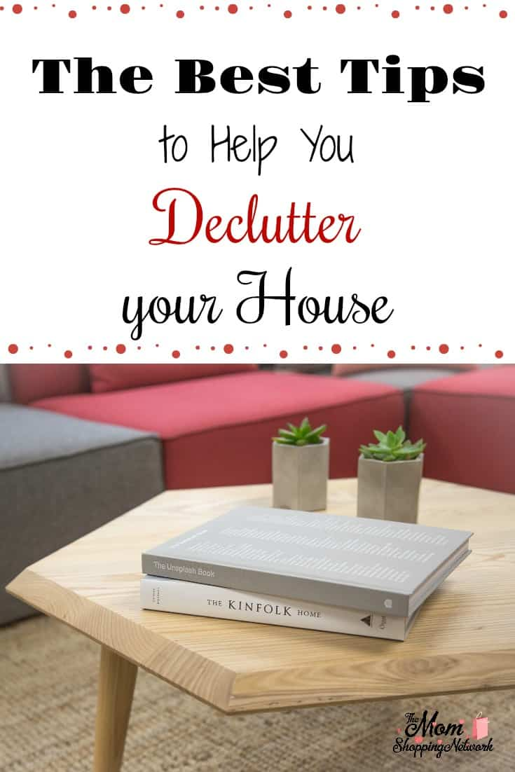 These are the best tips to help you declutter your house I've seen in quite awhile! Declutter|Declutter and Organize|Declutter challenge|Declutter Home|Declutter House|Declutter Hacks|Declutter House Room by Room|Declutter Tips|Declutter Tips Simplify|Declutter Tips Clutter Free Home|Declutter Tips & Tricks|Declutter Tips & Ideas|Declutter Ideas|Best Decluttering Tips|Best Decluttering Tips Home|Best Decluttering Ideas|Best Decluttering