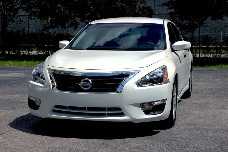 Best Features of 5 New 2017 Nissan Vehicles