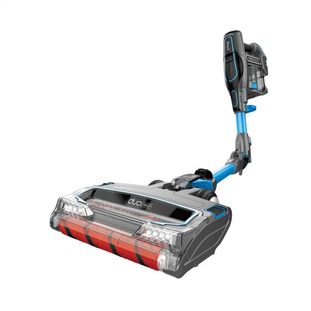 The Shark IONFlex Vacuum Makes a Great Holiday Gift. #vacuum #sharkionflex #housecleaning