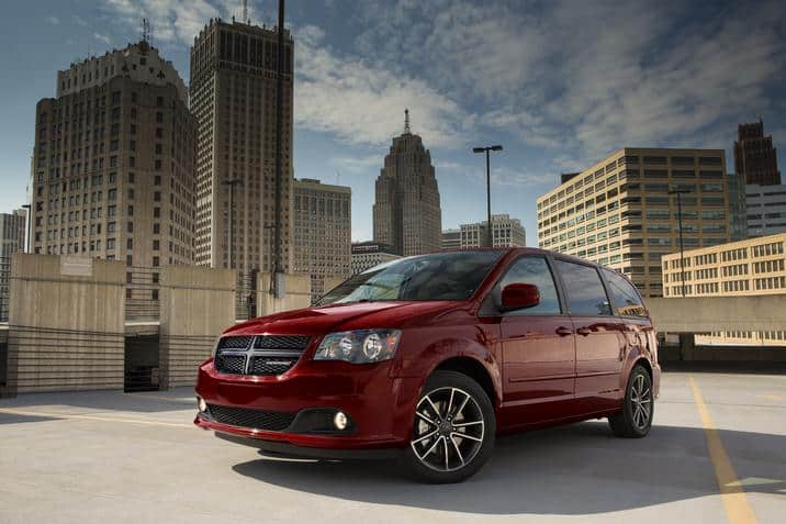 Considering a van? Read up on the benefits of a 2017 Dodge Grand Caravan!