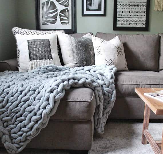 chunky throw blanket in living room