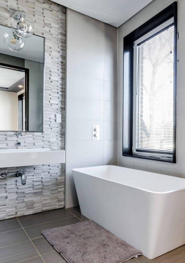 Brilliant Bathroom Hacks to Improve Your Morning Routine