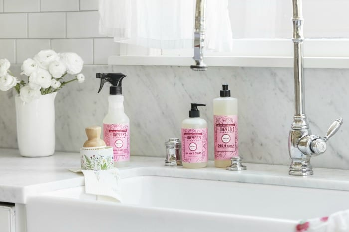 If you're ready for Spring Cleaning, you must check out Grove Collaborative! Get a FREE Spring Cleaning gift set that includes Mrs. Meyer's new spring scents, they're amazing! #spring #springcleaning #cleaningtips #cleaninghacks #cleaningideas #springcleaningtips #springcleaninghacks #springcleaningideas #springcleaninghelp